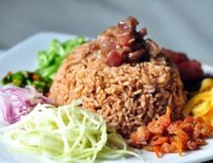 สูตรอาหารไทย : ข้าวคลุกกะปิ + หมูหวาน อร่อยเหาะ