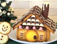 ไอเดียของหวานวันคริสต์มาส_บ้านคุกกี้และช็อกโกแลต_อร่อยเหาะ